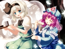 Konachan.com - 173060 2girls blue_eyes food gengetsu_chihiro gray_hair hat headband konpaku_youmu pink_hair saigyouji_yuyuko short_hair touhou