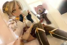 Konachan.com - 204172 blonde_hair blush boots brown_eyes gloves gun hat long_hair mahou_shoujo_madoka_magica novcel skirt thighhighs tomoe_mami weapon