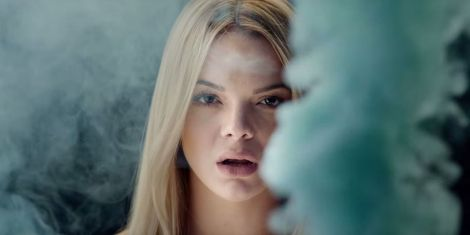 landscape-1467908706-louisa-johnson-clean-bandit-tears-music-video